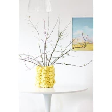 Arm knitted vase