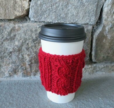 Cabled cup cozy knitting pattern