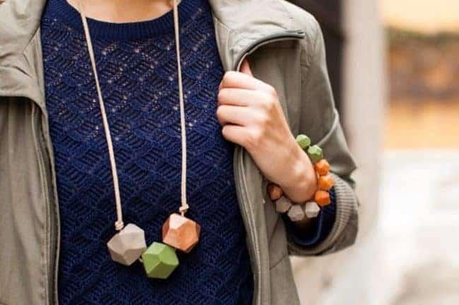 Goede clay bead necklace