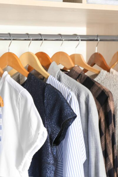 How to organize & declutter your clothes closet #declutter #organize #clothes closet #home organization #closets