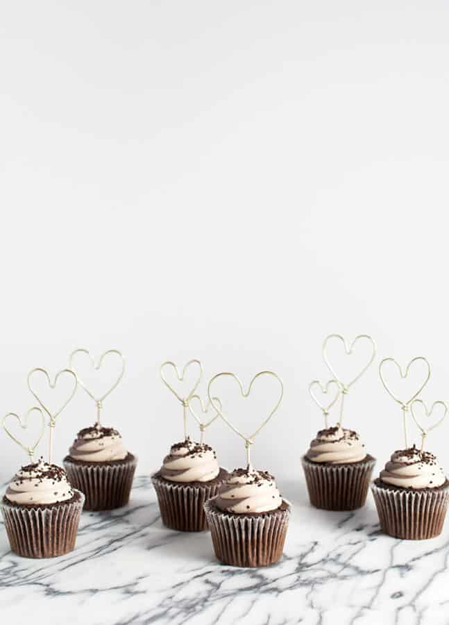 Wire cupcake toppers