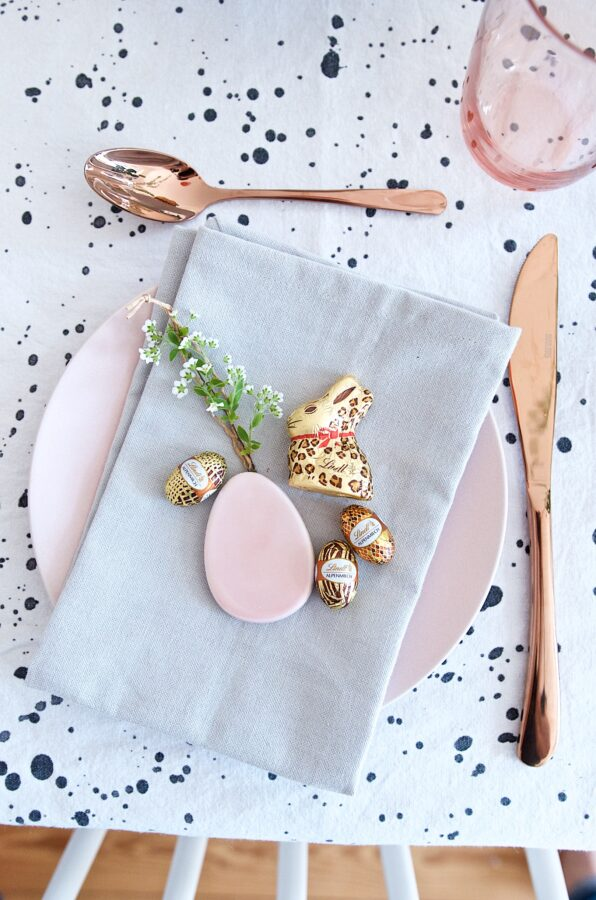 Pink and gold easter decoration.