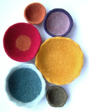 Felted crocheted bowls #felted #felting #crochet #crocheted #affiliate #LoveCrafts