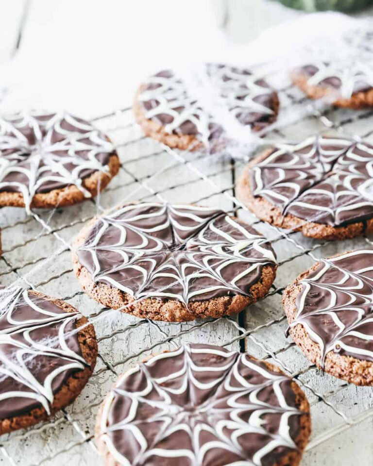 13 Halloween Cookie Ideas that are Spooky and Fun