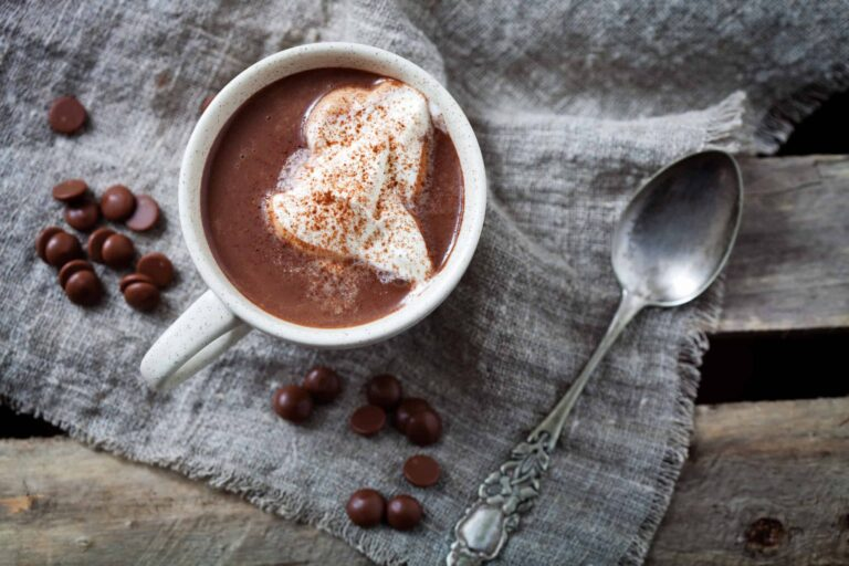 Slow Cooker Hot Chocolate: Easy & Delicious