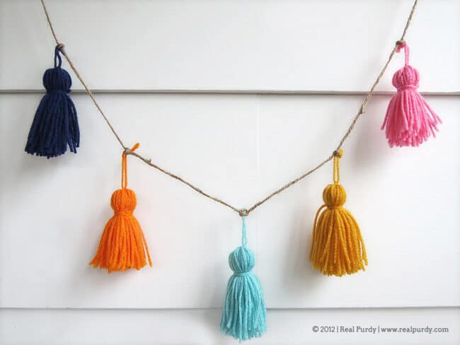 Knitted tassel garland