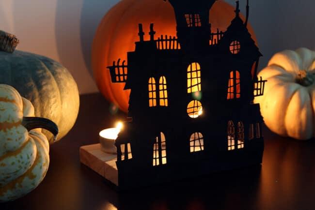 Halloween decorations using your Cricut machine
