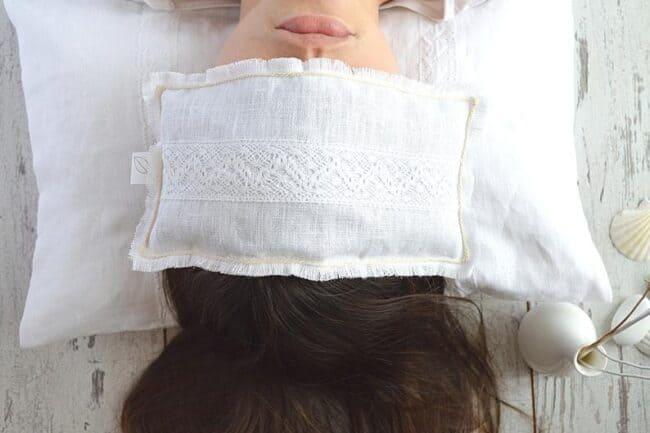 Relaxation eye pillow