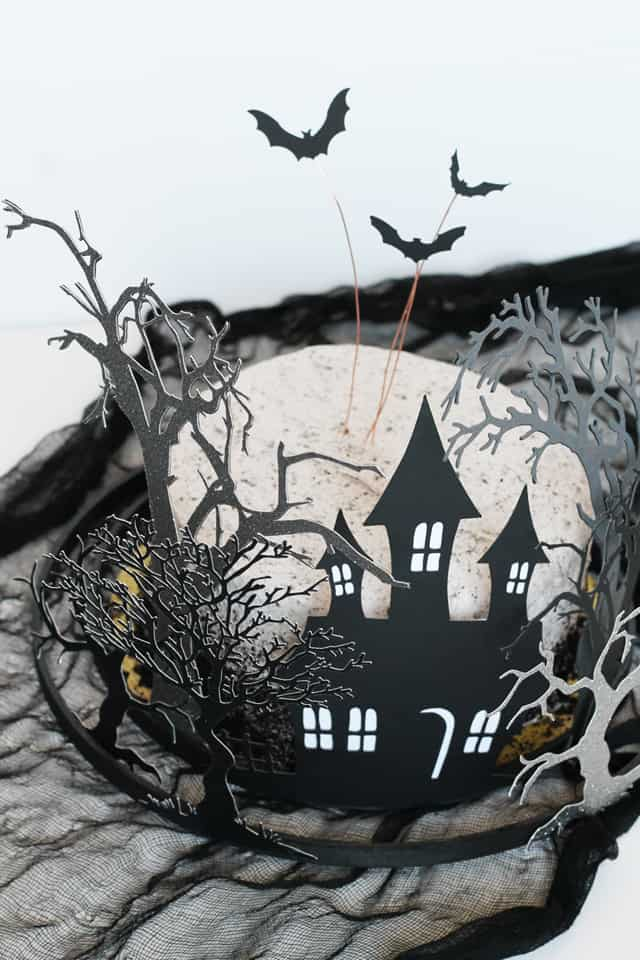 17 Halloween Decorations to make with your Cricut
