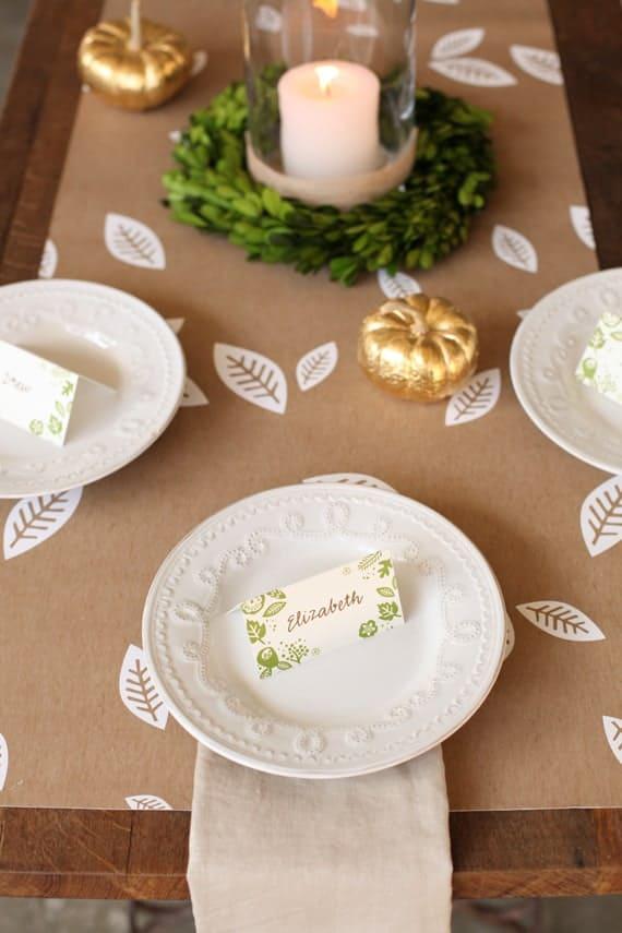 Pretty Thanksgiving table setting