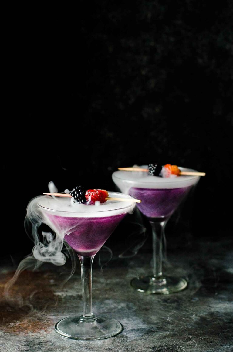 14 Halloween Cocktails Recipes that are Spooky, Fast & Fun