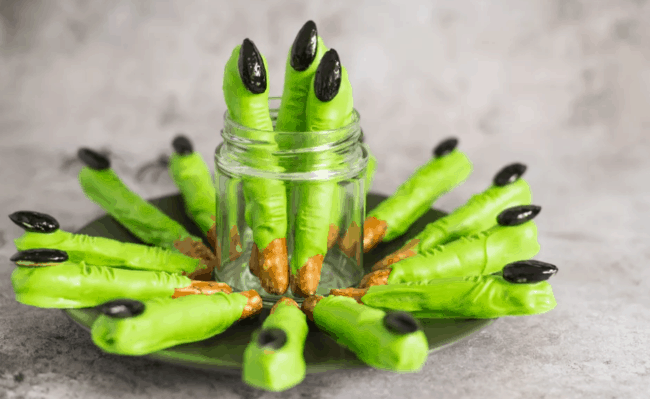 20 Easy, fast and fun Halloween Appetizers and Party Snacks #Halloween #Appetizers #PartySnacks