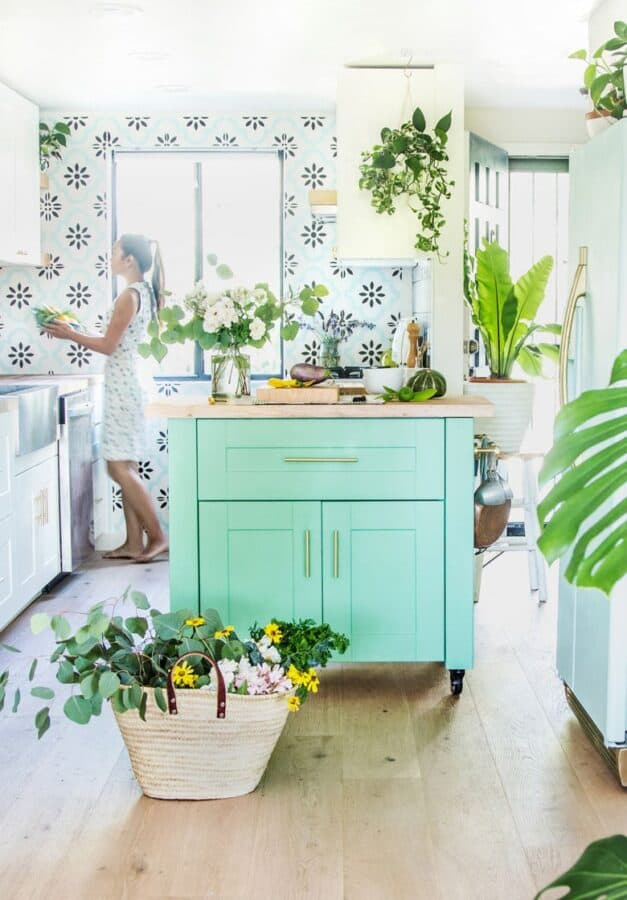 Turquoise color kitchen island.