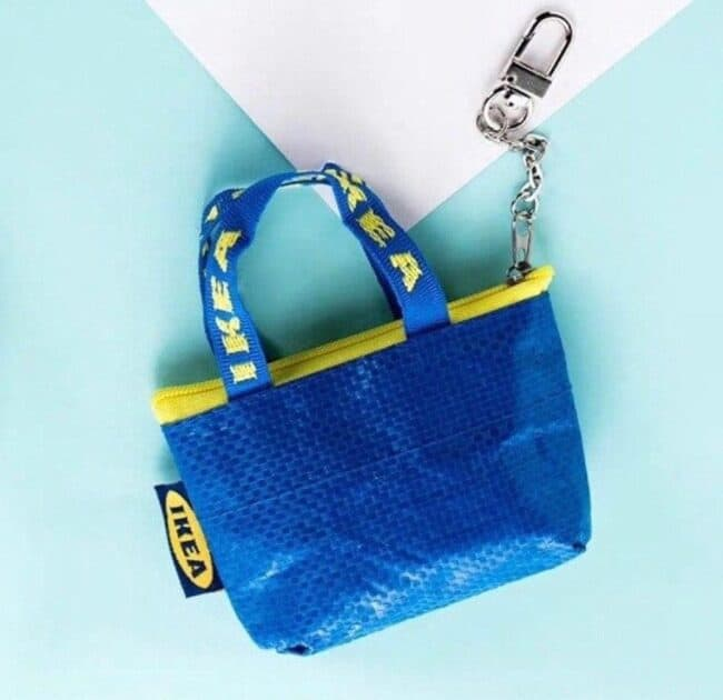 Blue coin pouch made from an IKEA bag.