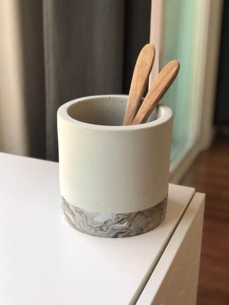 12 Pretty & Stylish Utensil Holders for your Kitchen