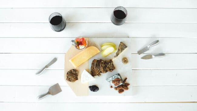 Marble and Wood Cheeseboard.