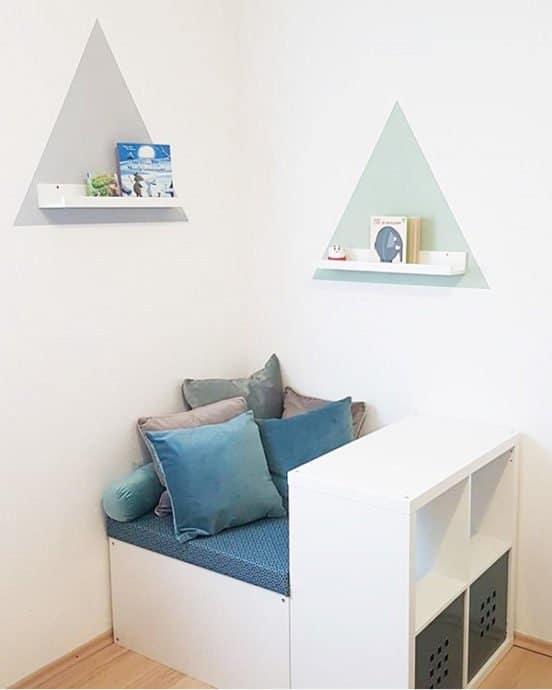 IKEA reading nook Kallax hack