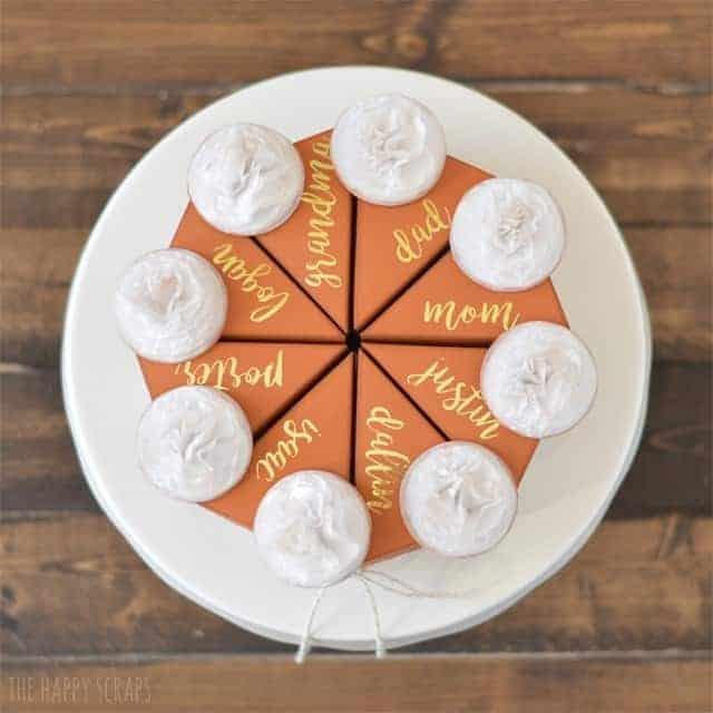 Pumpkin pie place setting